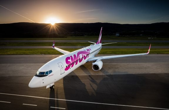 swoop airlines 737
